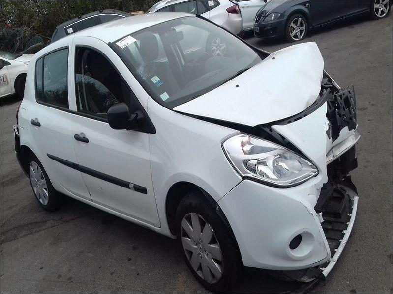 CLIO 1.2 16V AUTHENTIQUE 75 accidentée