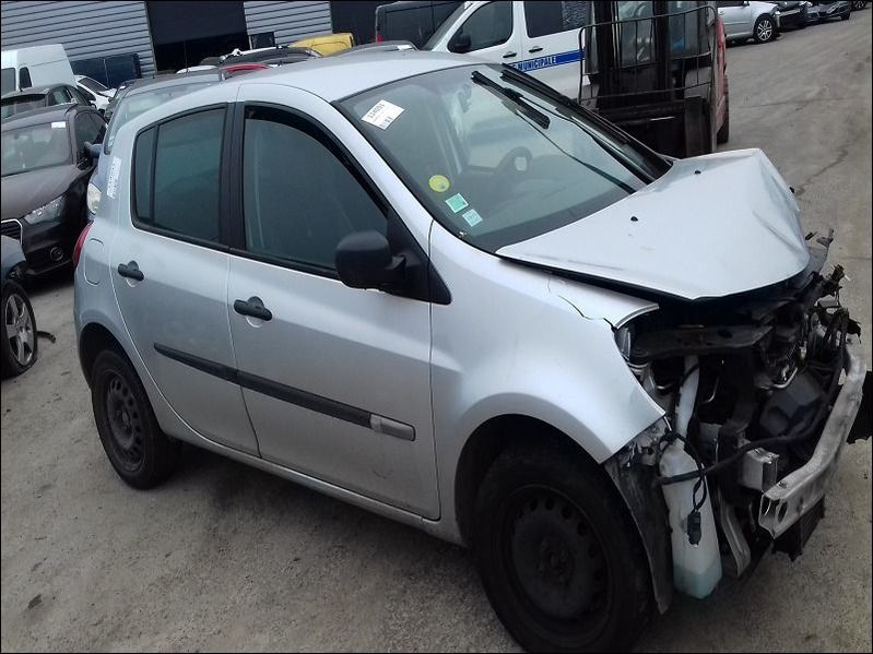 CLIO 1.5 DCI NIGHT AND DAY accidentée