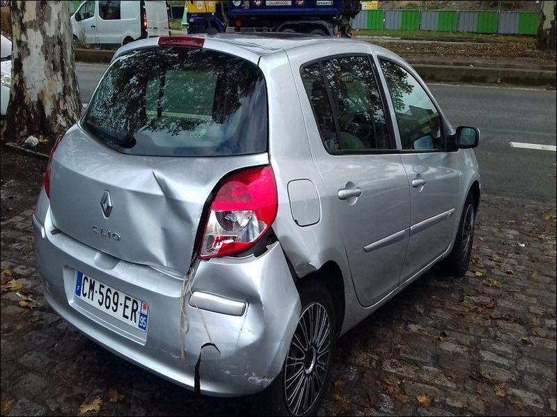 CLIO 1.5 DCI 85 PRIVILEGE accidentée