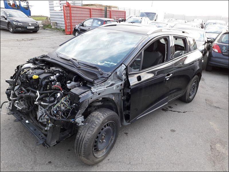 CLIO IV DCI accidentée