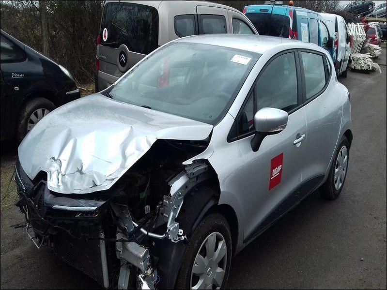 CLIO IV 1.5 DCI MEDIANAV accidentée