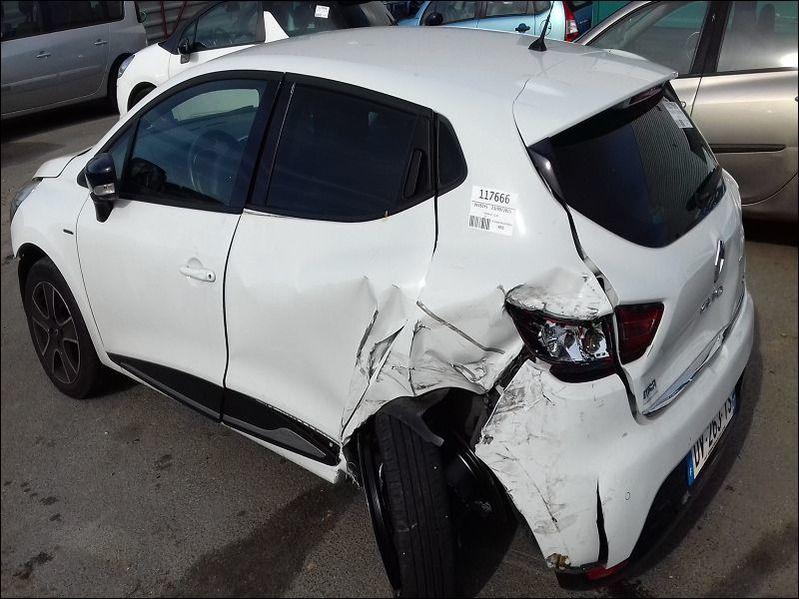 CLIO IV 1.5 DCI LIMITED accidentée