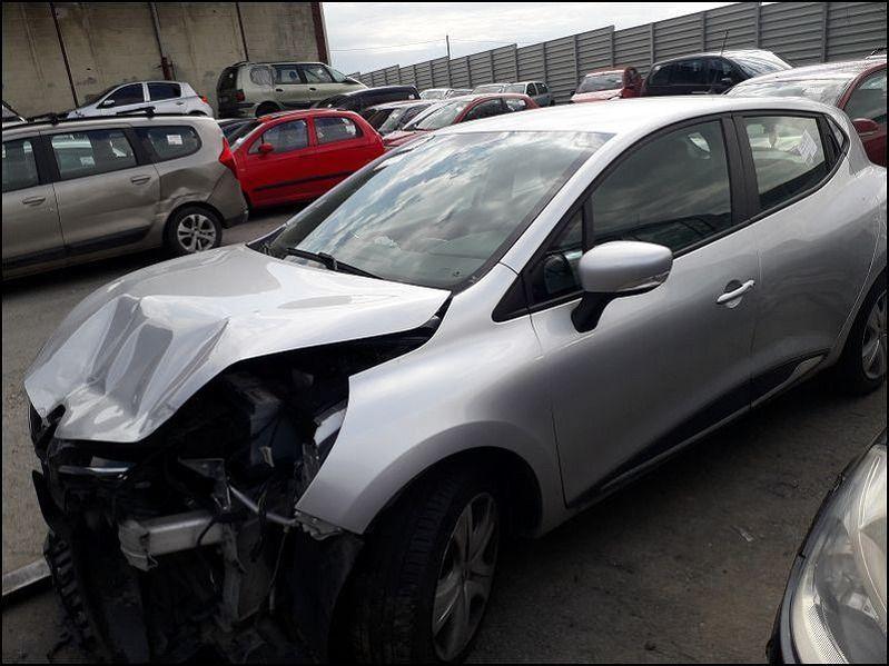 CLIO IV BUSINESS 1.5 DCI 75 accidentée