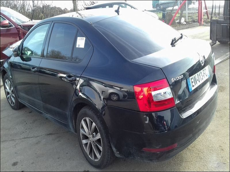 OCTAVIA III 1.6 TDI BUSINESS accidentée