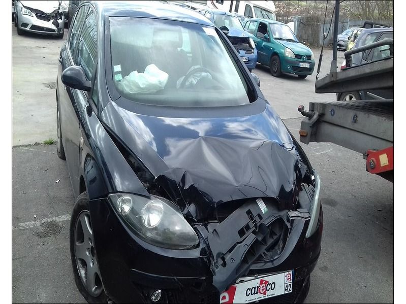 ALTEA 2.0 TDI 140  FR accidentée