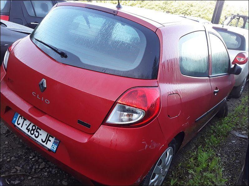 CLIO 1.2 16V accidentée