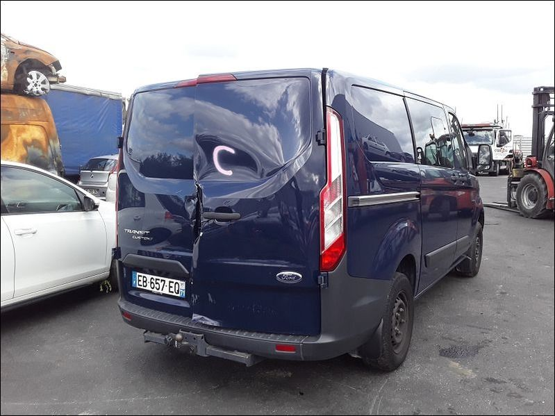 T.CUSTOM Transit Custom 2.2 TDCi - 125 Fourgon Ca accidentée